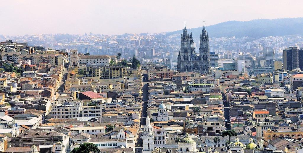 Ecuador: Quito, Baños, Andes + Amazona