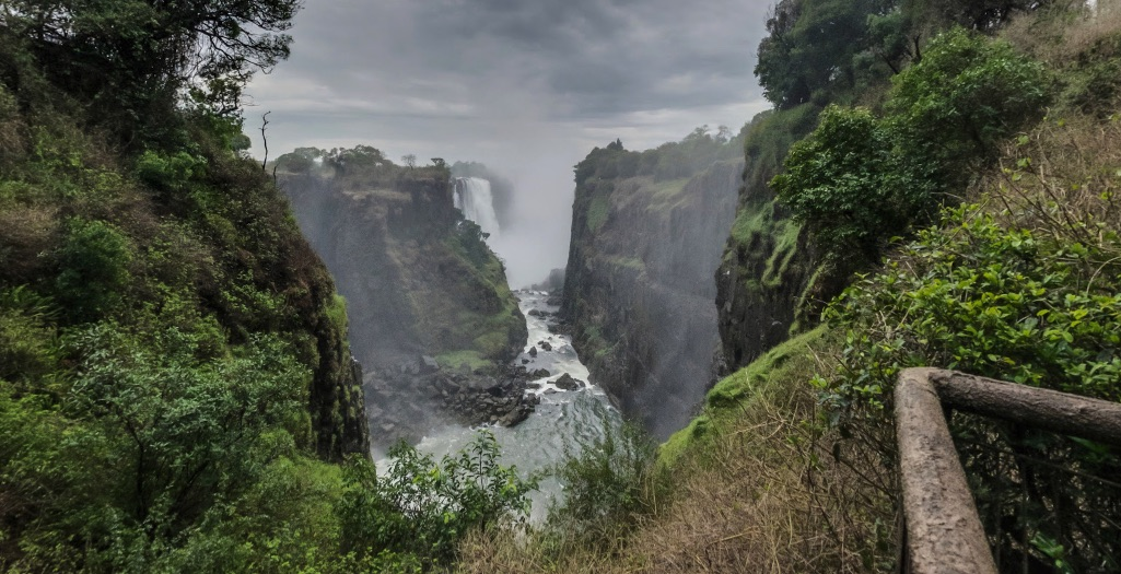 Africa: Mana Pools, Kariba and Victoria Falls